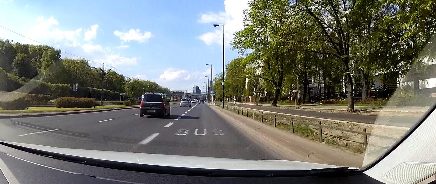 Volkswagen e-Golf na bus-pasie