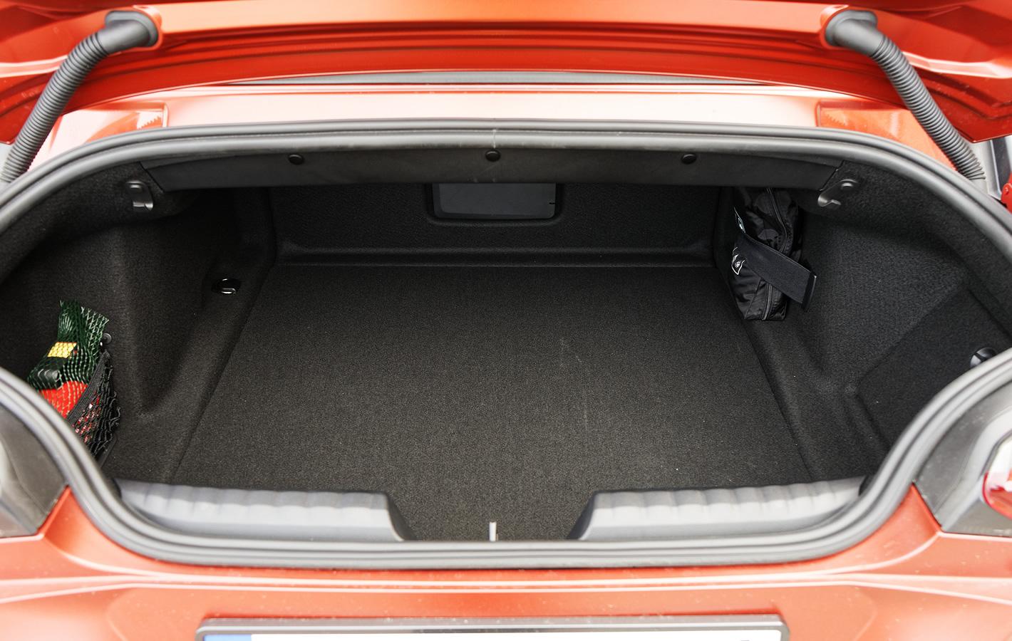 BMW Z4 M40i - bagażnik