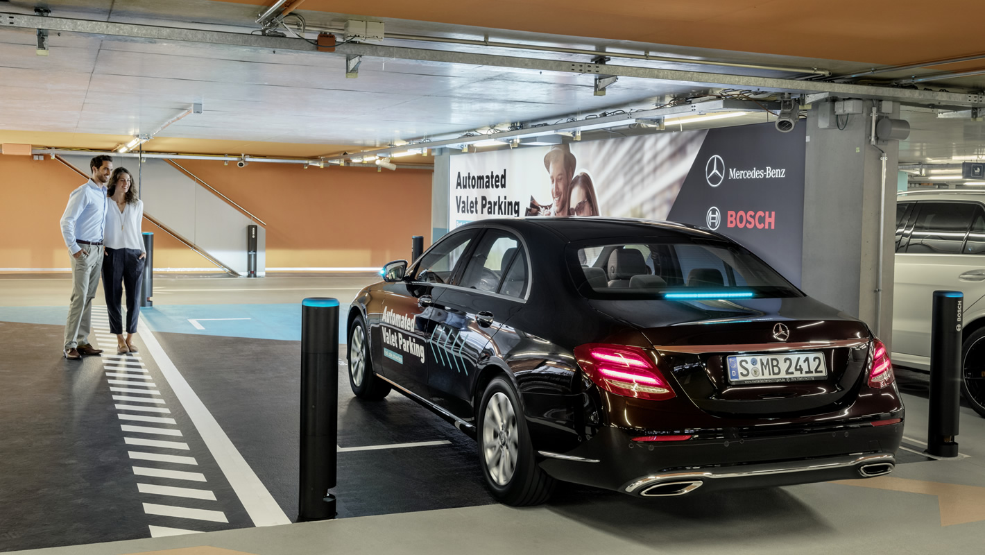 Mercedes & Bosch autonomiczne parkowanie
