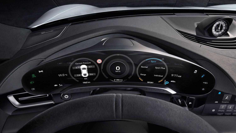Porsche Taycan wyświetlacz kierowcy