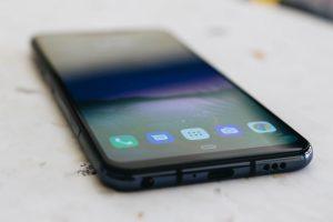 W 2021 r. kupiłem telefon z 2019. Dlaczego?