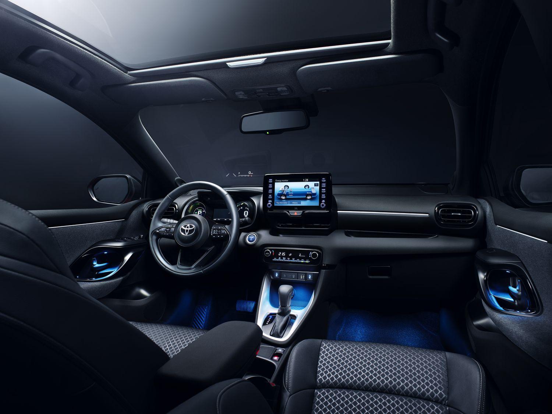 Toyota Yaris 2020 - wnętrze
