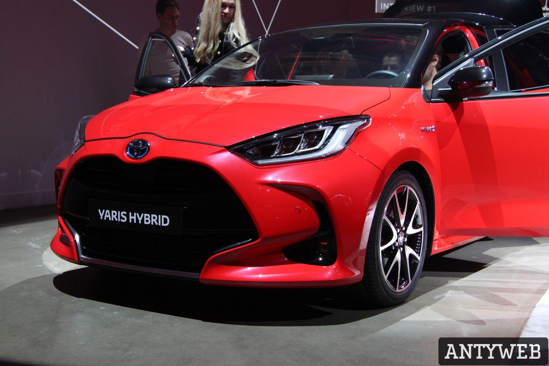 Toyota Yaris 2020 - widok od frontu