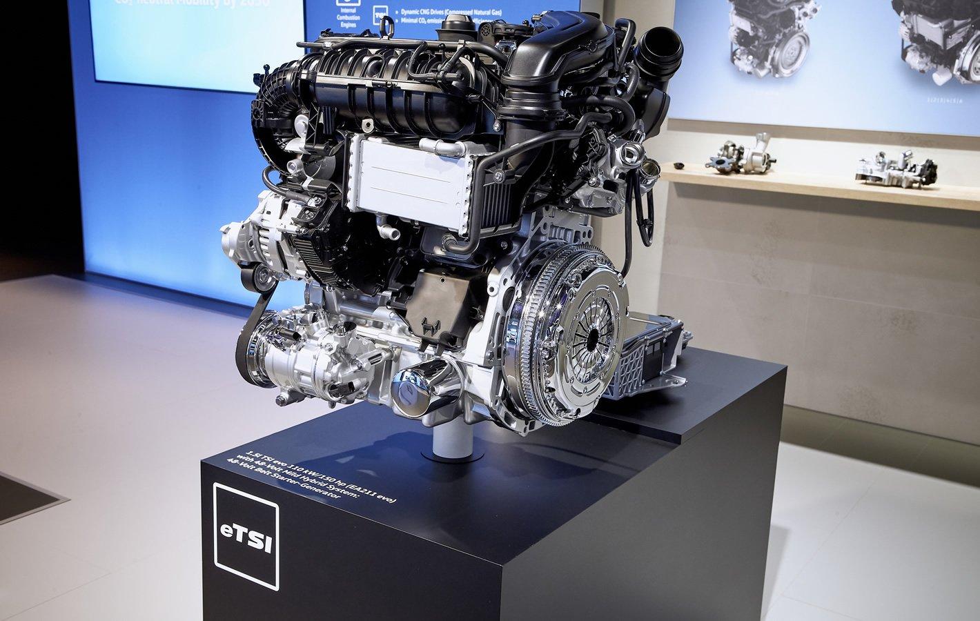 Nowy Volkswagen Golf 8 eTSI