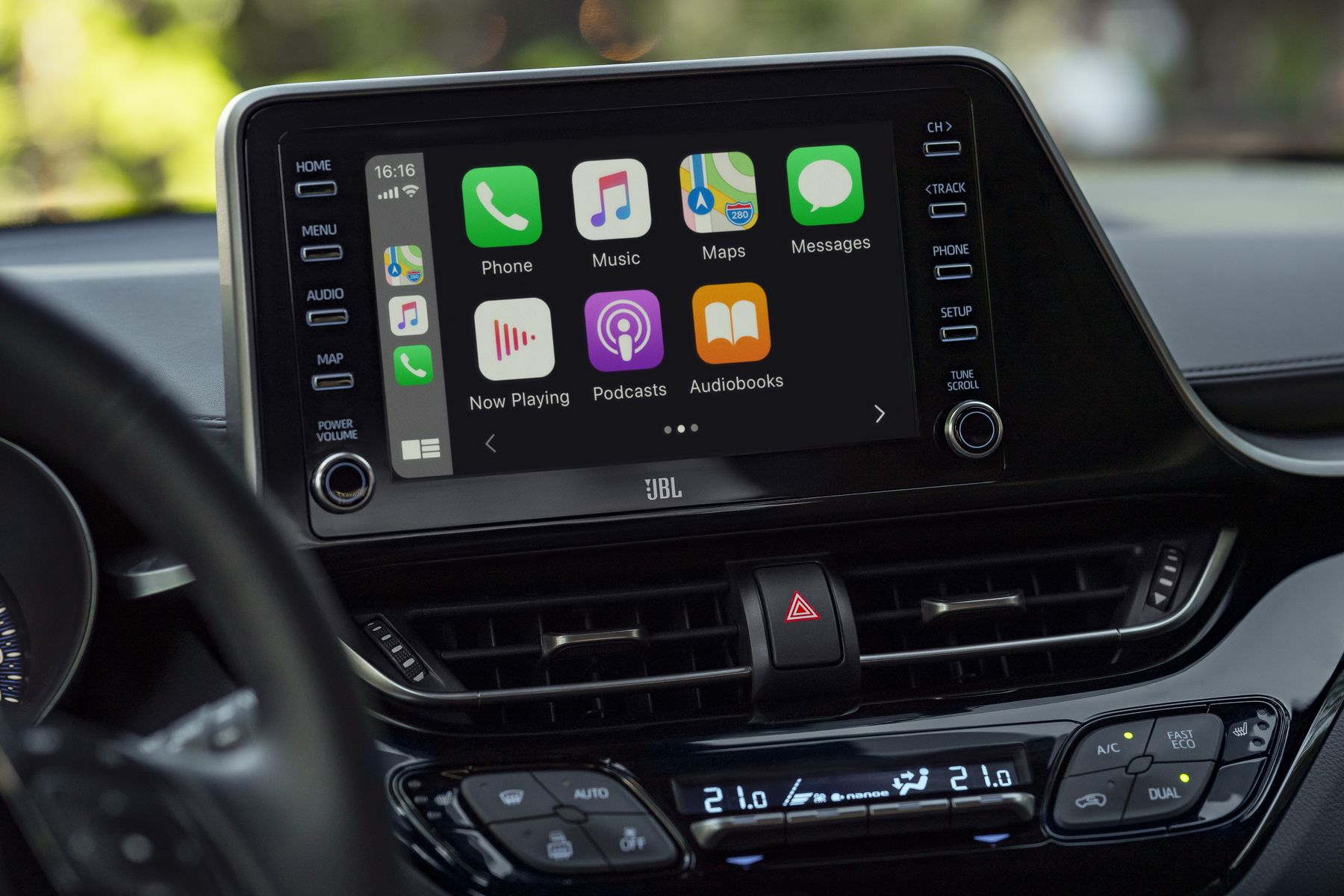 Toyota C-HR Apple Car Play