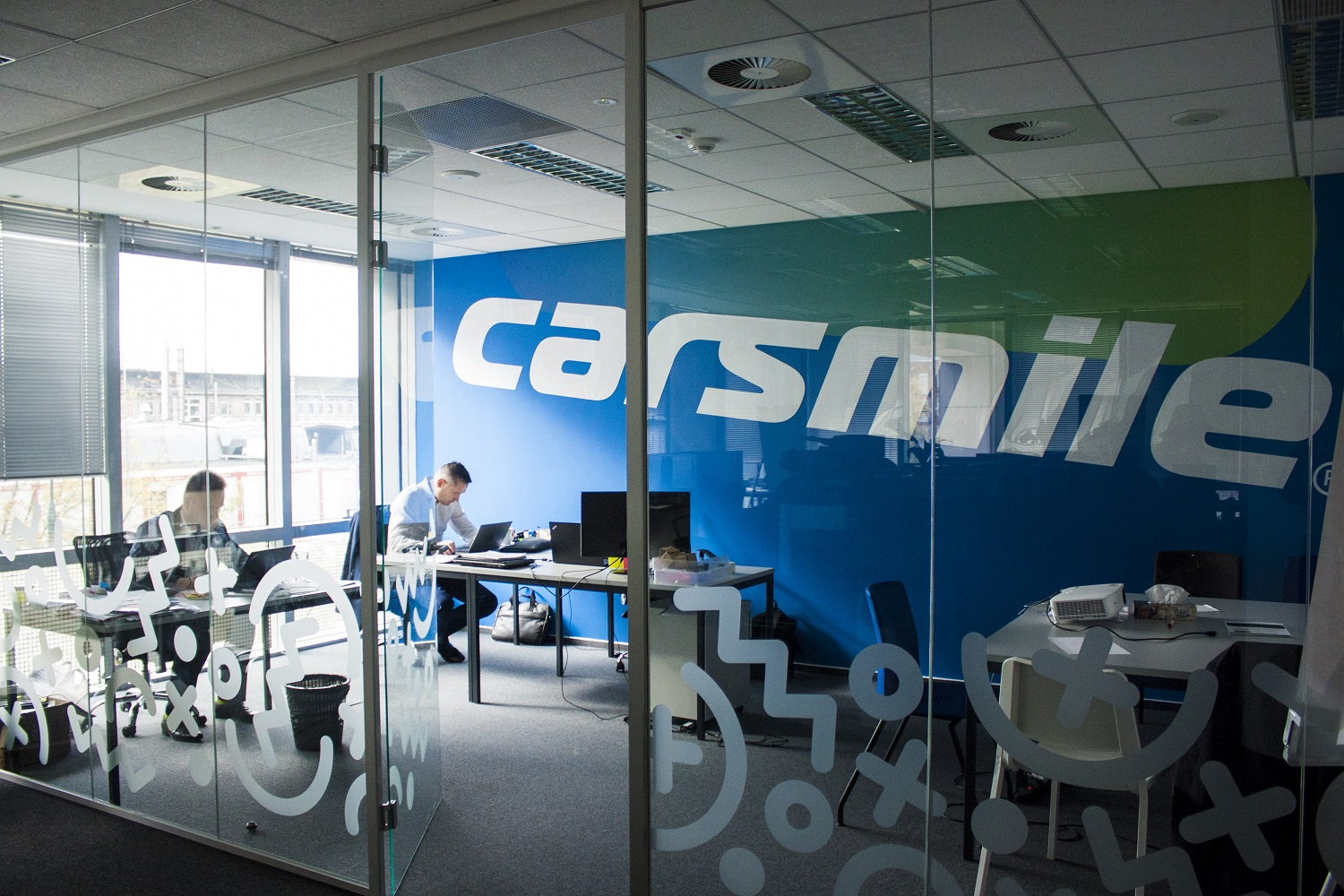 Carsmile office