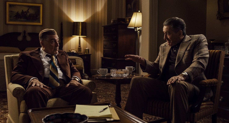 Jimmy Hoffa (Al Pacino) and Frank Sheeran (Robert De Niro) debate Hoffa's next move. © 2019 Netlfix US, LLC. All rights reserved.
