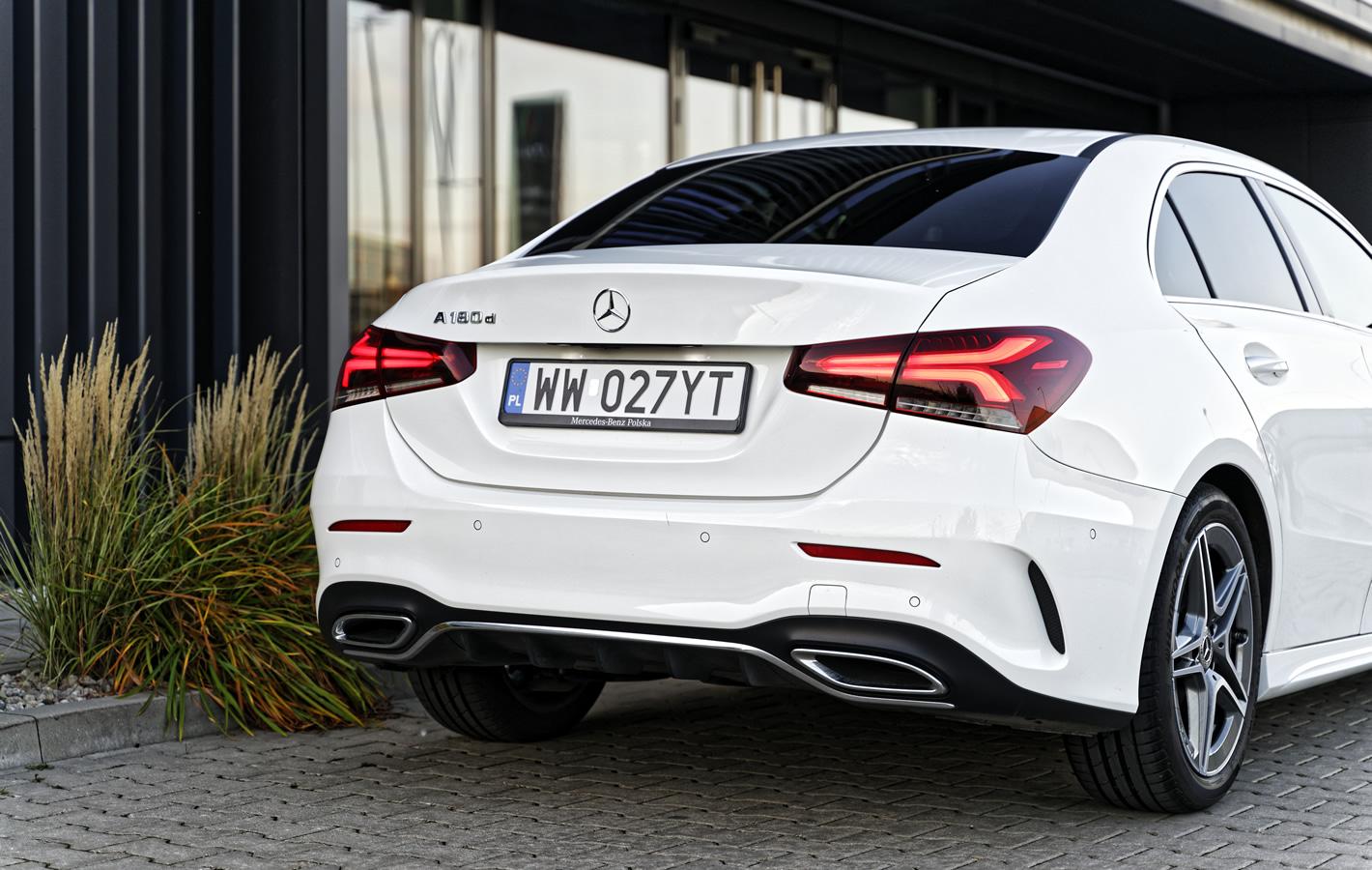 Mercedes-Benz A 180d Limuzyna