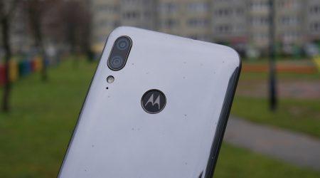 Recenzja Motorola Moto E6 Plus. Duży low-end w niskiej cenie