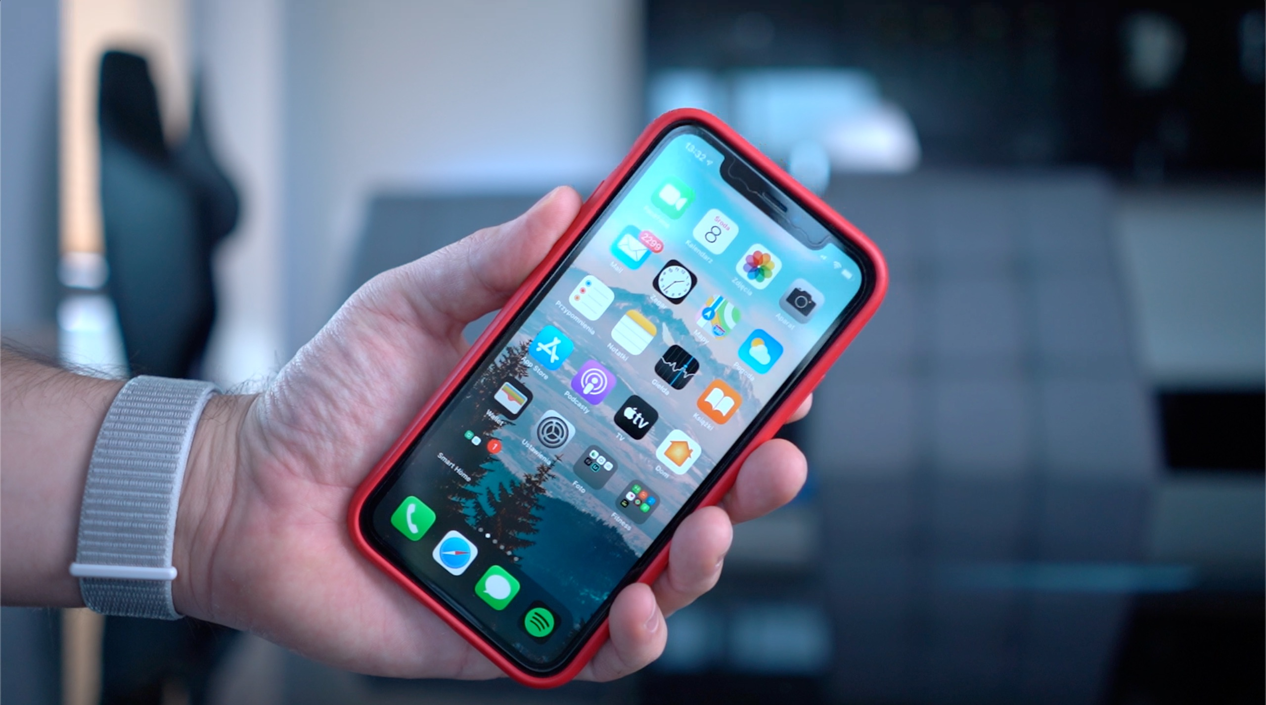 Apple iPhone 11 z ekranem LCD