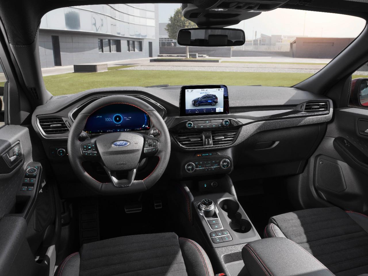 Ford Kuga Plugin Hybrid wnętrze