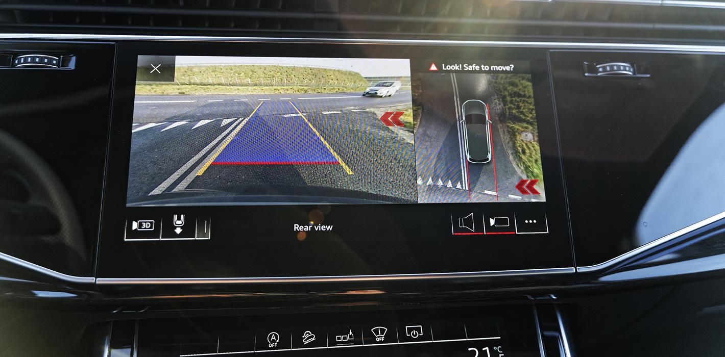 Audi Q7 - kamera