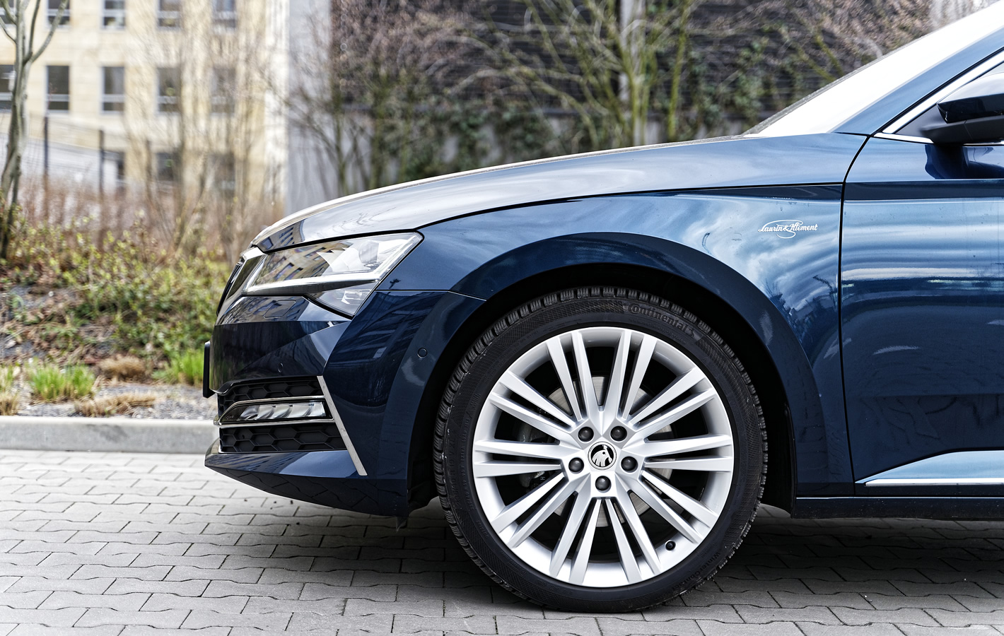 Skoda Superb iV Plug-In Hybrid - hamulce