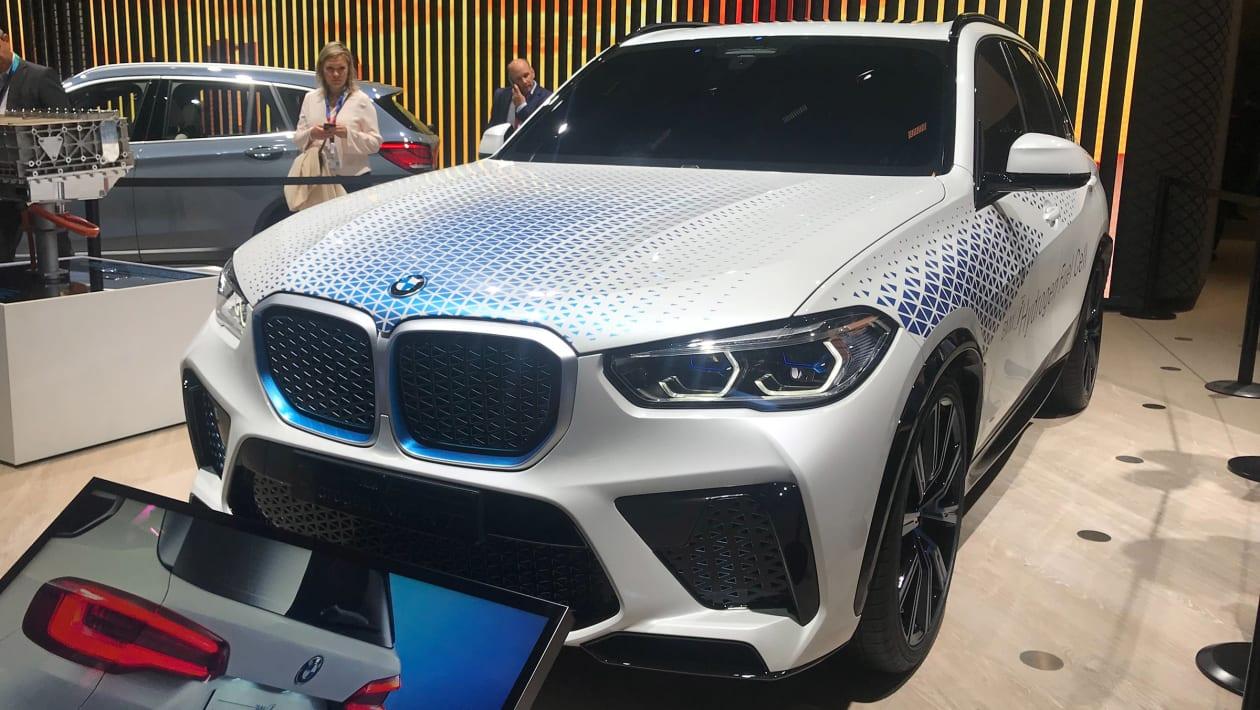 BMW iHydrogen NEXT SUV
