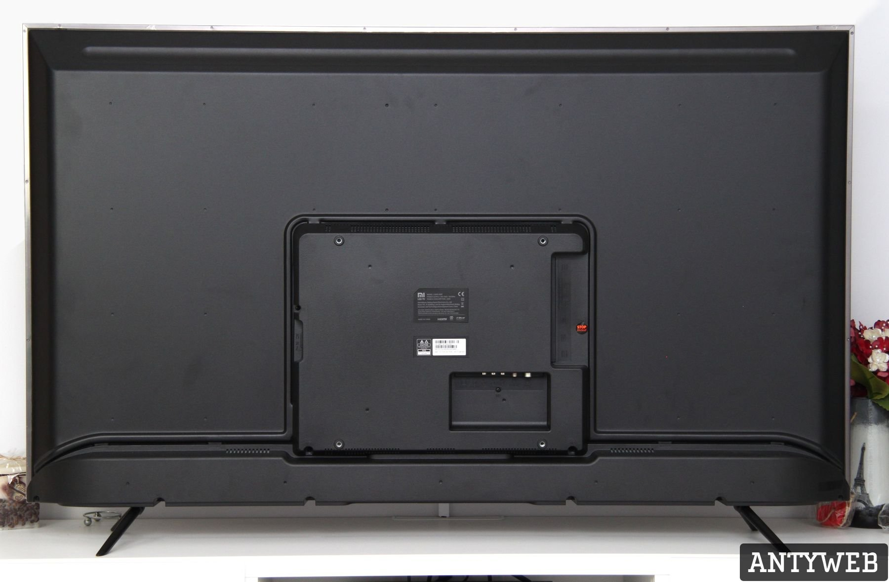 Xiaomi Mi TV 4S 55 tylny panel