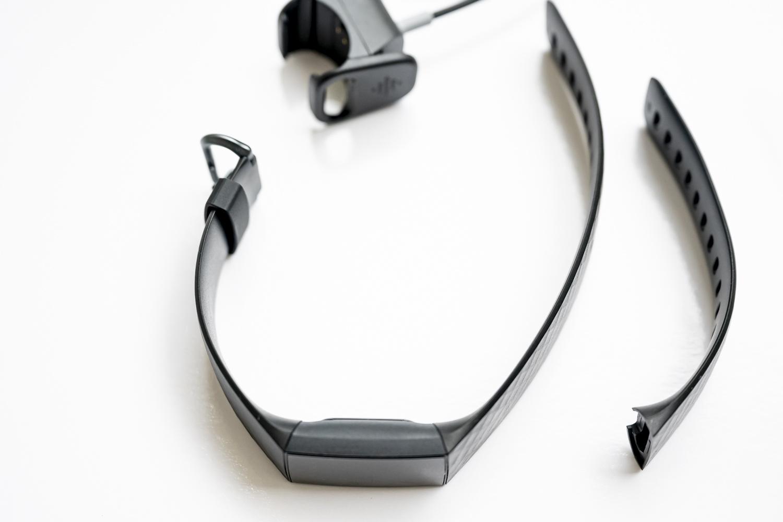 Fitbit Charge 4 paski i ładowarka