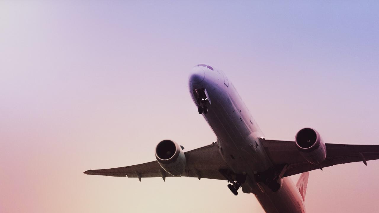cena minimalna biletów lotniczych
