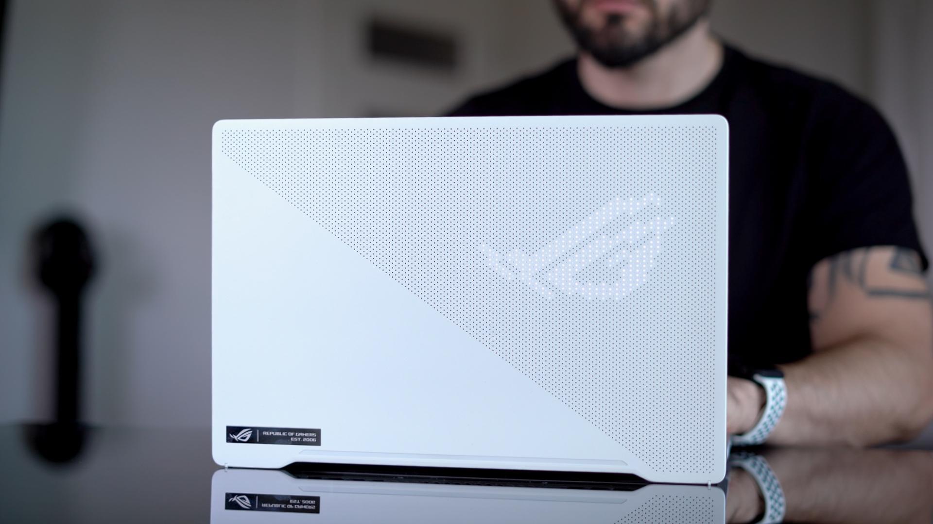 To nie jest zwykły laptop! Co potrafi ASUS ROG Zephyrus G14?