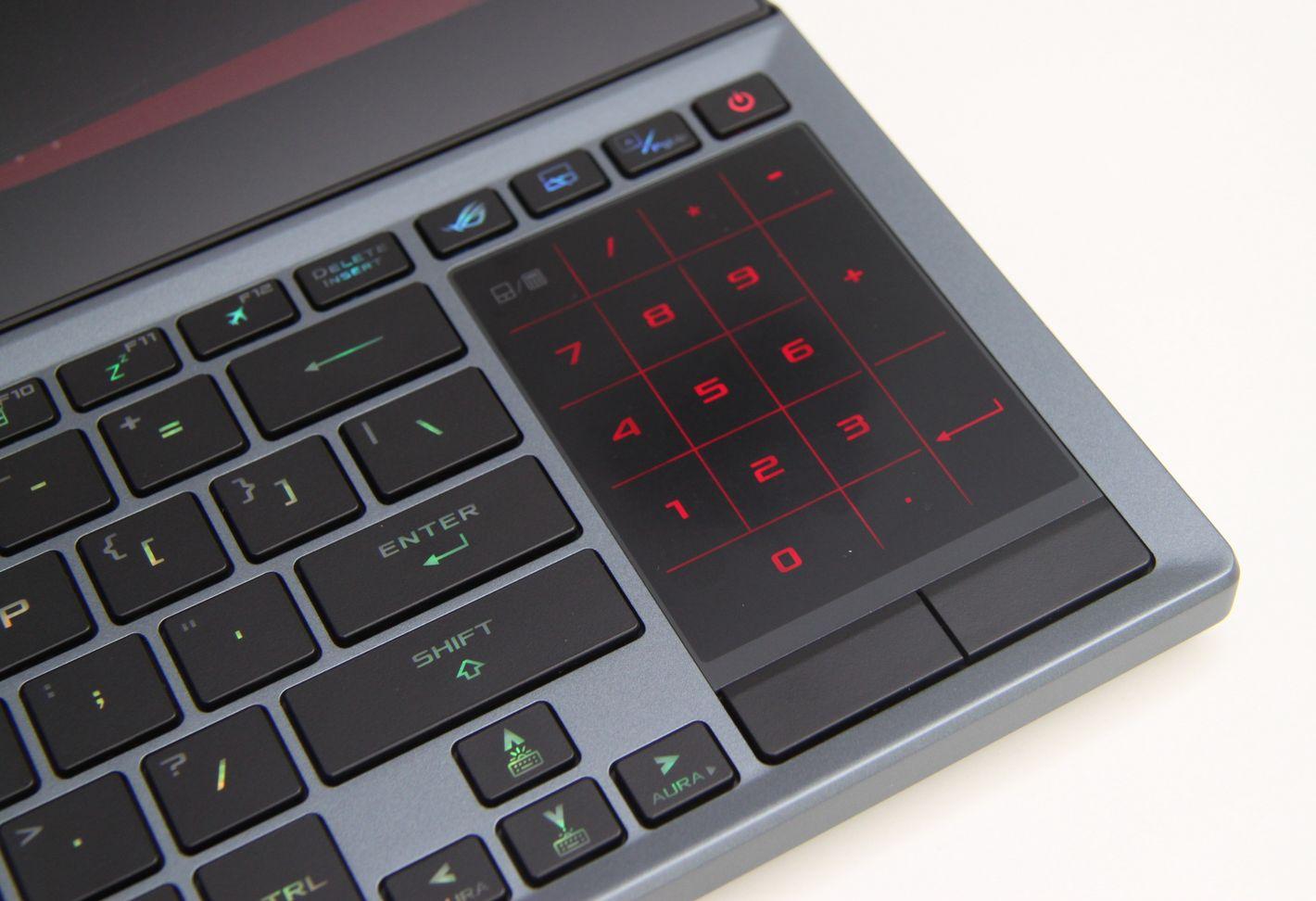 ASUS ROG Zephyrus Duo 15 touchpad z klawiaturą numeryczną
