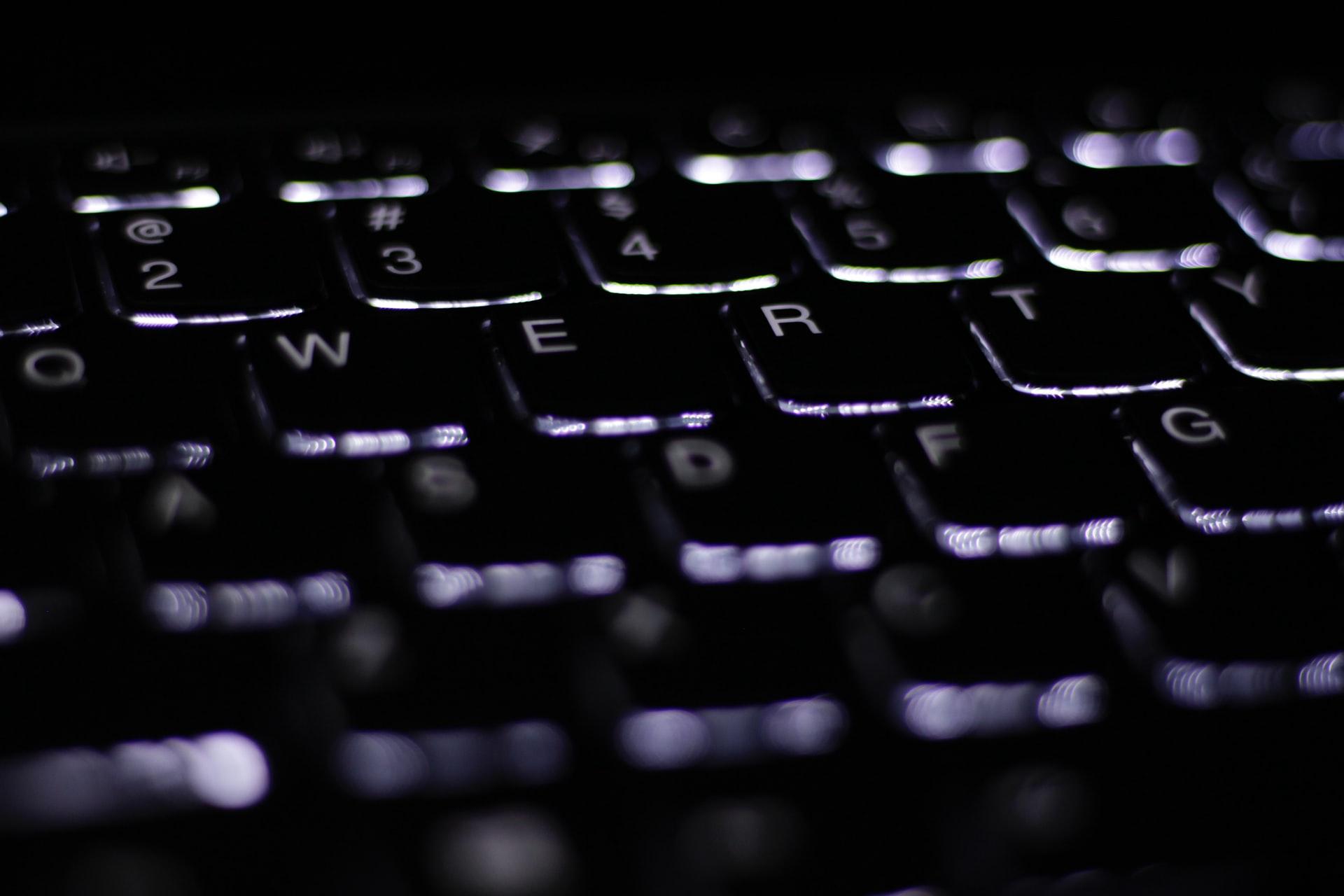 Klawiatura komputerowa z podświetleniem