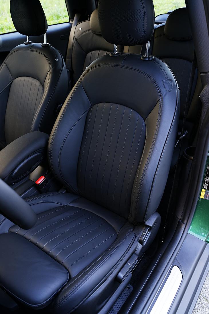 MINI Cooper SE - fotel kierowcy