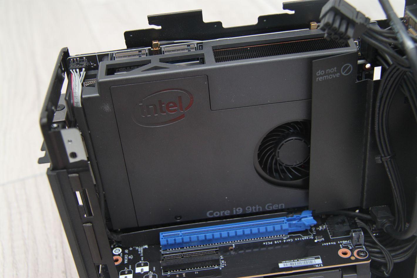 Intel NUC 9 Extreme system chłodzenia