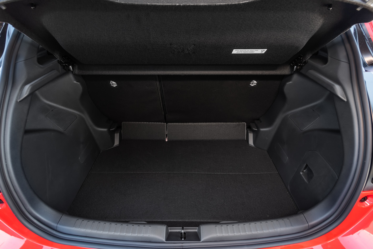 Toyota Yaris Hybrid - bagażnik