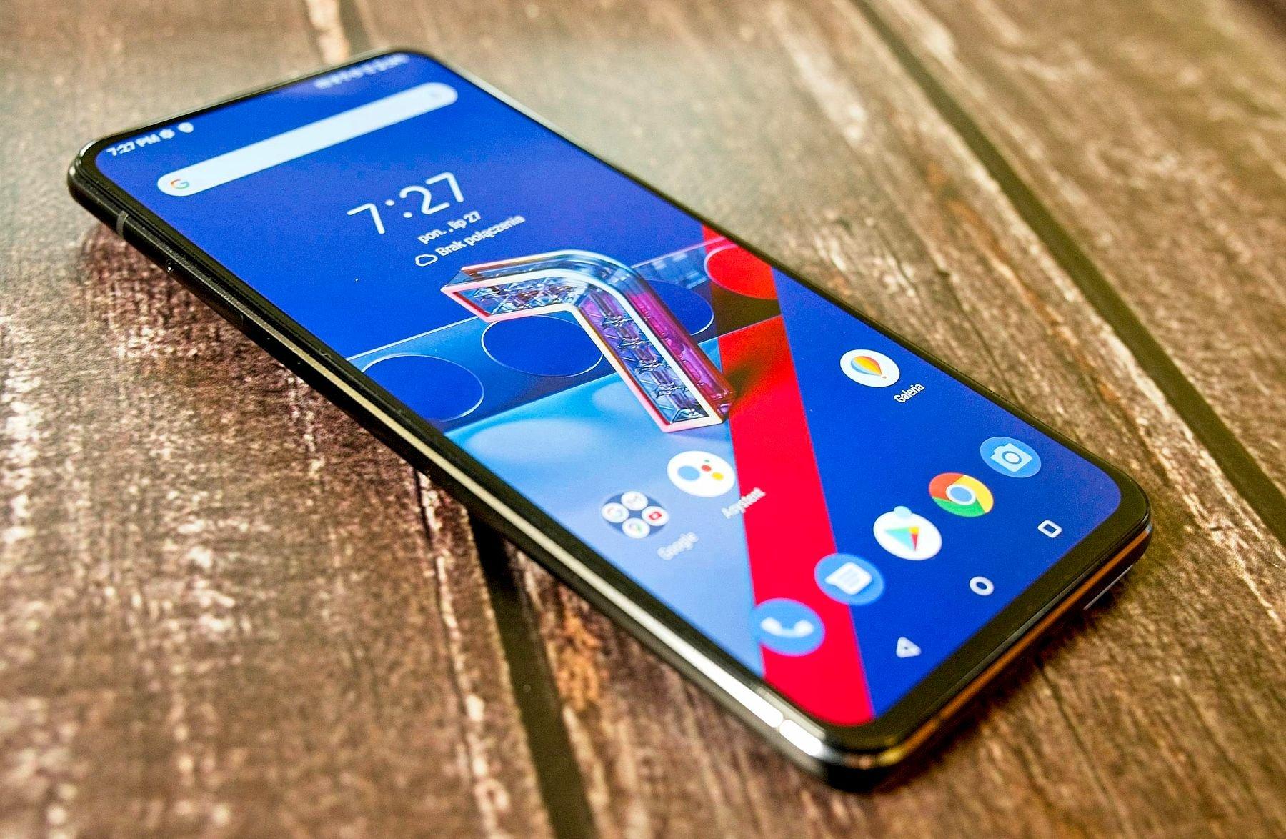 Zenfone 7 recenzja smartfon cały
