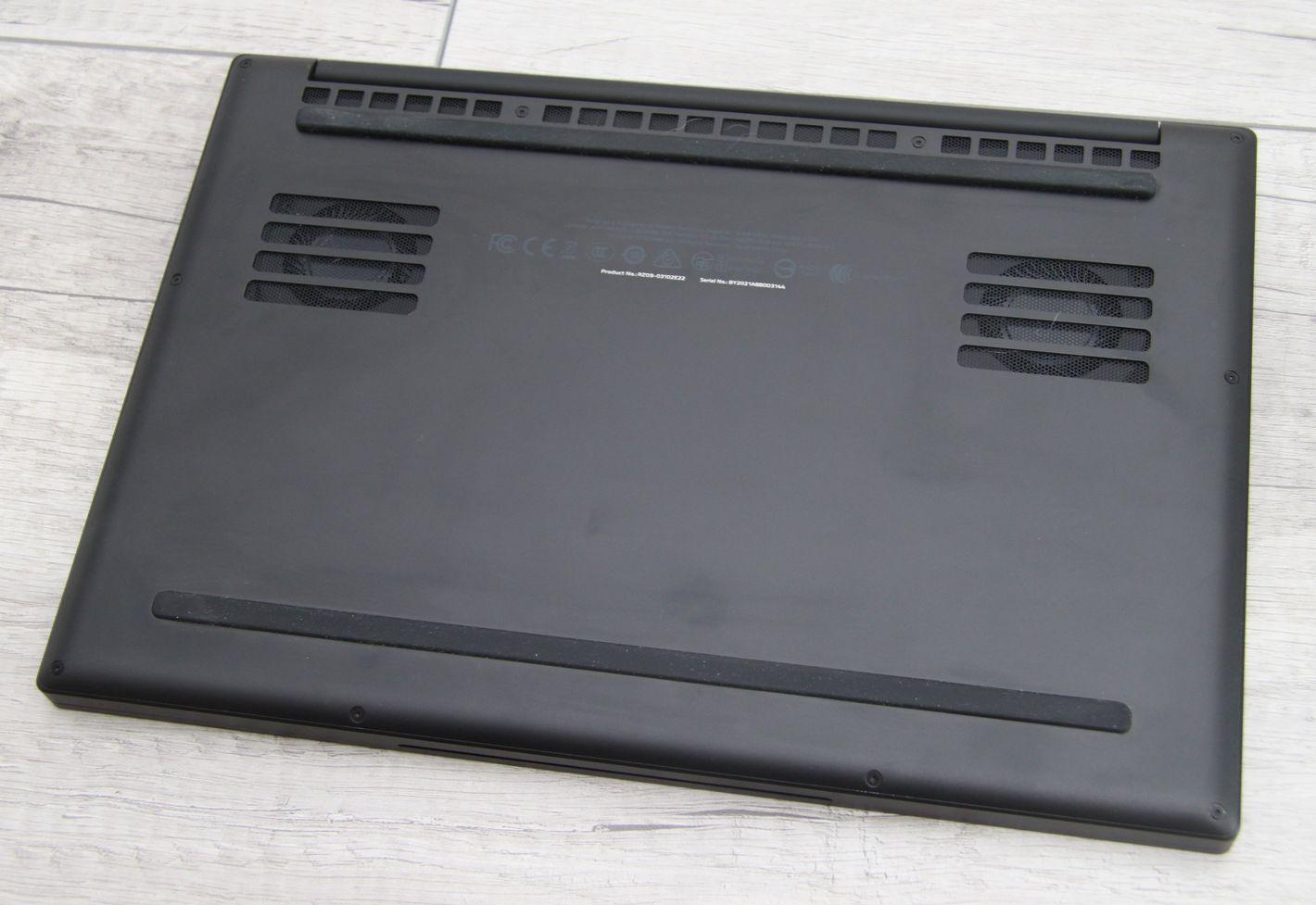 Razer Blade Stealth 13 spód