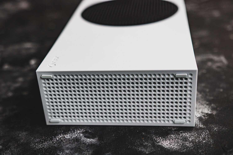 xbox series s konsola - dół