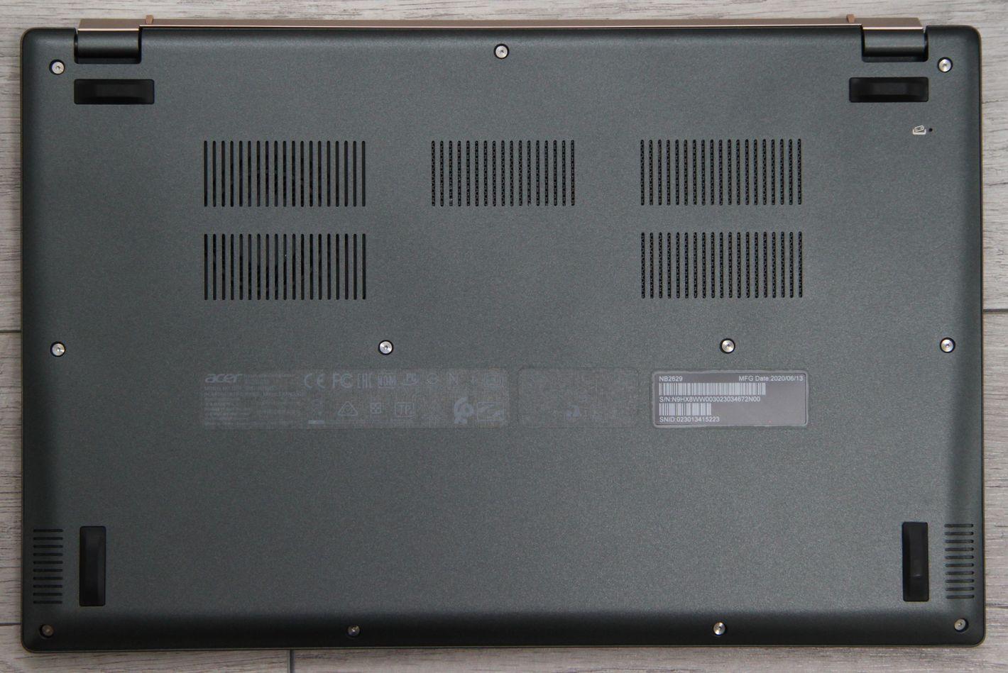 Acer Swift 5 z Intel Tiger Lake spód