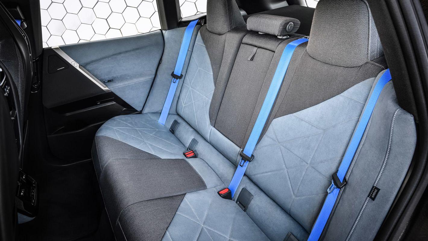 BMW iX tylna kanapa