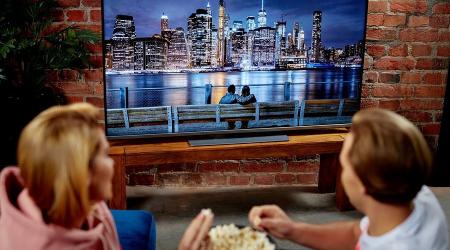 ludzie popcorn telewizor toshiba