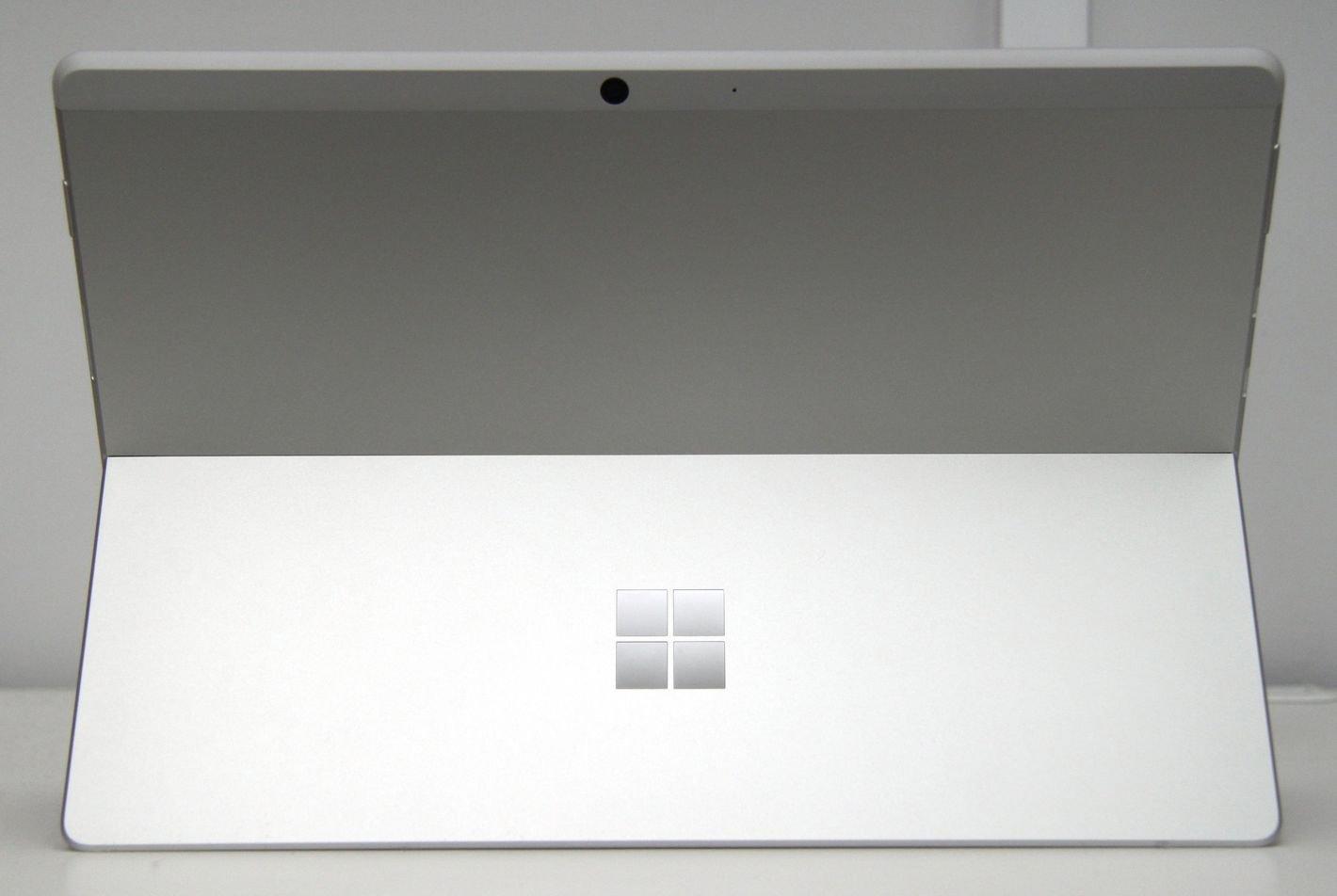 Microsoft Surface Pro X tył