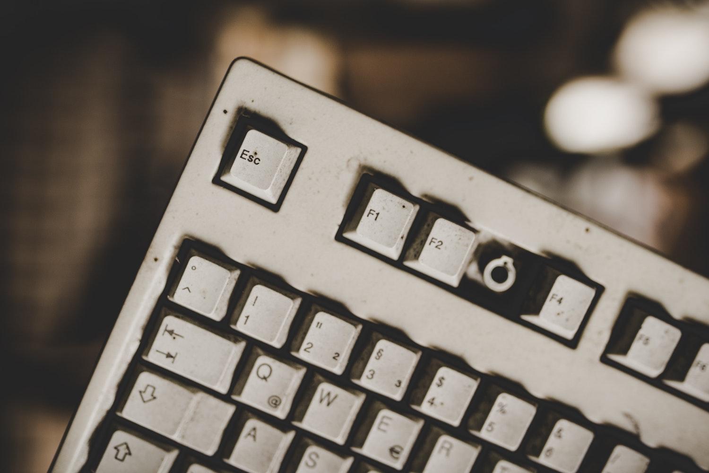 klawiatura bez przycisku