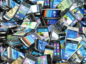 Polacy opowiedzieli się zdecydowanie przeciwko podatkowi od smartfonów