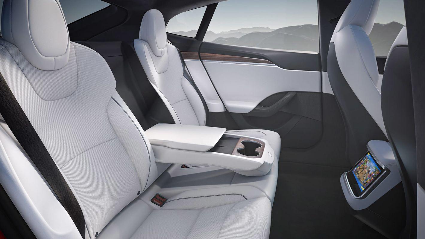 Tesla Model S 2021 wnętrze