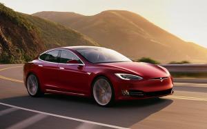 """Tesla już niedługo wyśle dane kierowcy w """"chmury""""…"""
