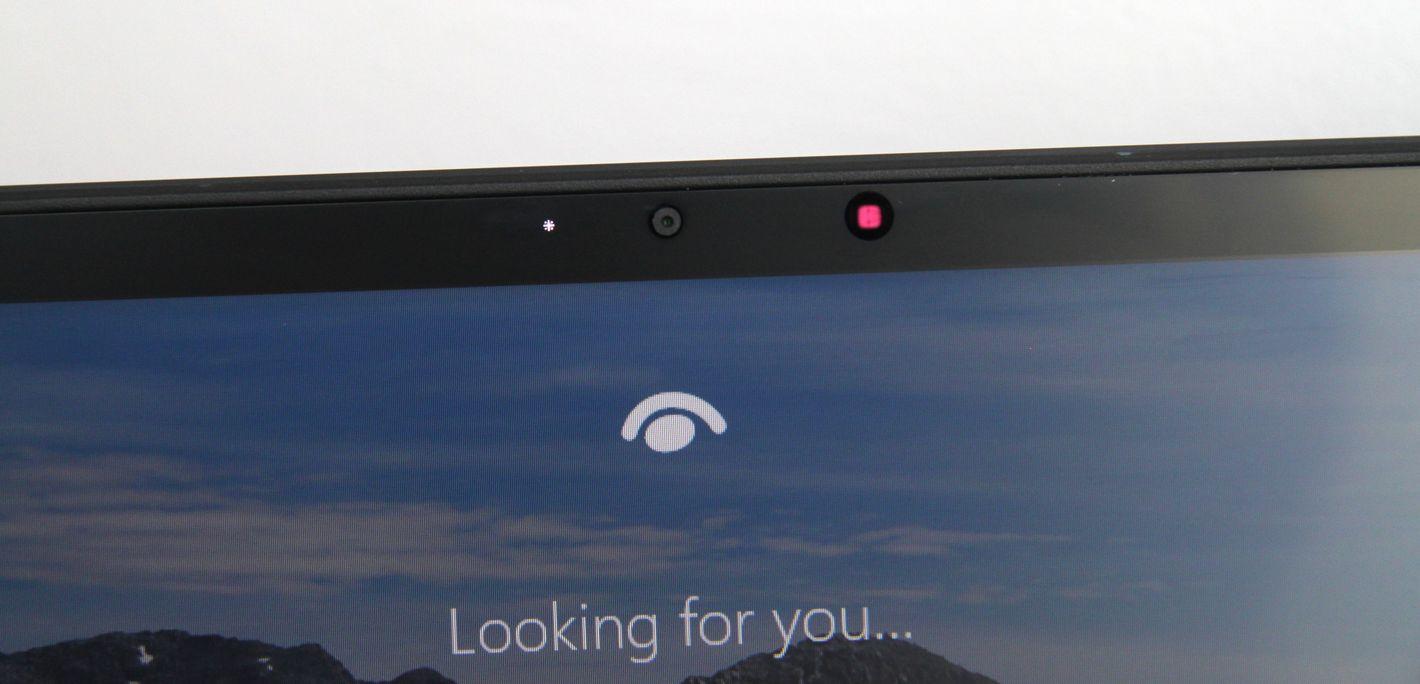 ASUS Zenbook Duo UX482 Windows Hello kamerka