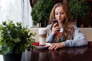 Pierwszy operator wirtualny włącza swoim klientom VoLTE i Wi-Fi Calling