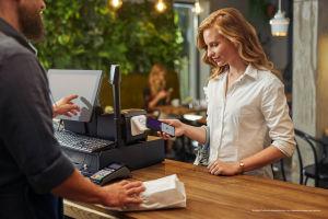 Zrezygnowalibyście z Apple/Google Pay dla polskiej aplikacji z e-paragonami?