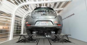 Startup Ample opracował system baterii samochodowych, który Tesla porzuciła