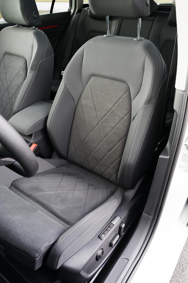 Volkswagen Golf Variant - fotel kierowcy