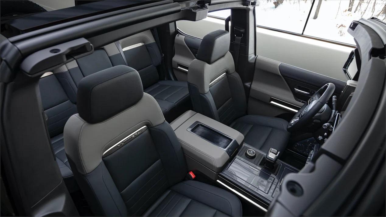 Hummer EV SUV wnętrze