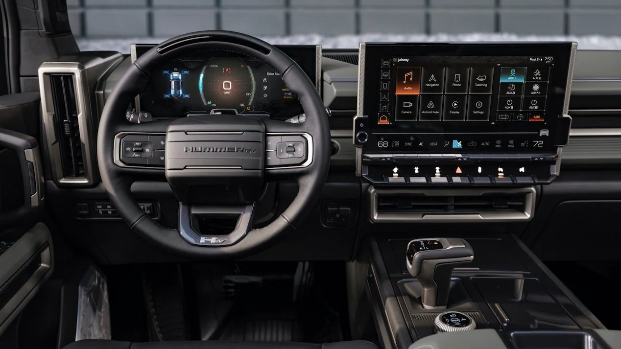 Hummer EV SUV kokpit