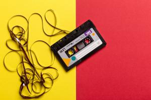 Premiery muzyczne w XXI wieku straciły na uroku i znaczeniu
