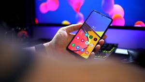 Bezpiecznie, ale bez szału. W półce cenowej 2000 zł szanse raczej marne – recenzja Samsung Galaxy A72