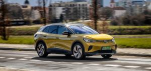 Volkswagen ID.4: elektryczny SUV z zasięgiem 522 km i akumulatorami 77 kWh. Jazda próbna