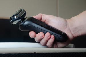 Golenie na gładko i wiele więcej – sprawdziliśmy golarkę Braun Series 7