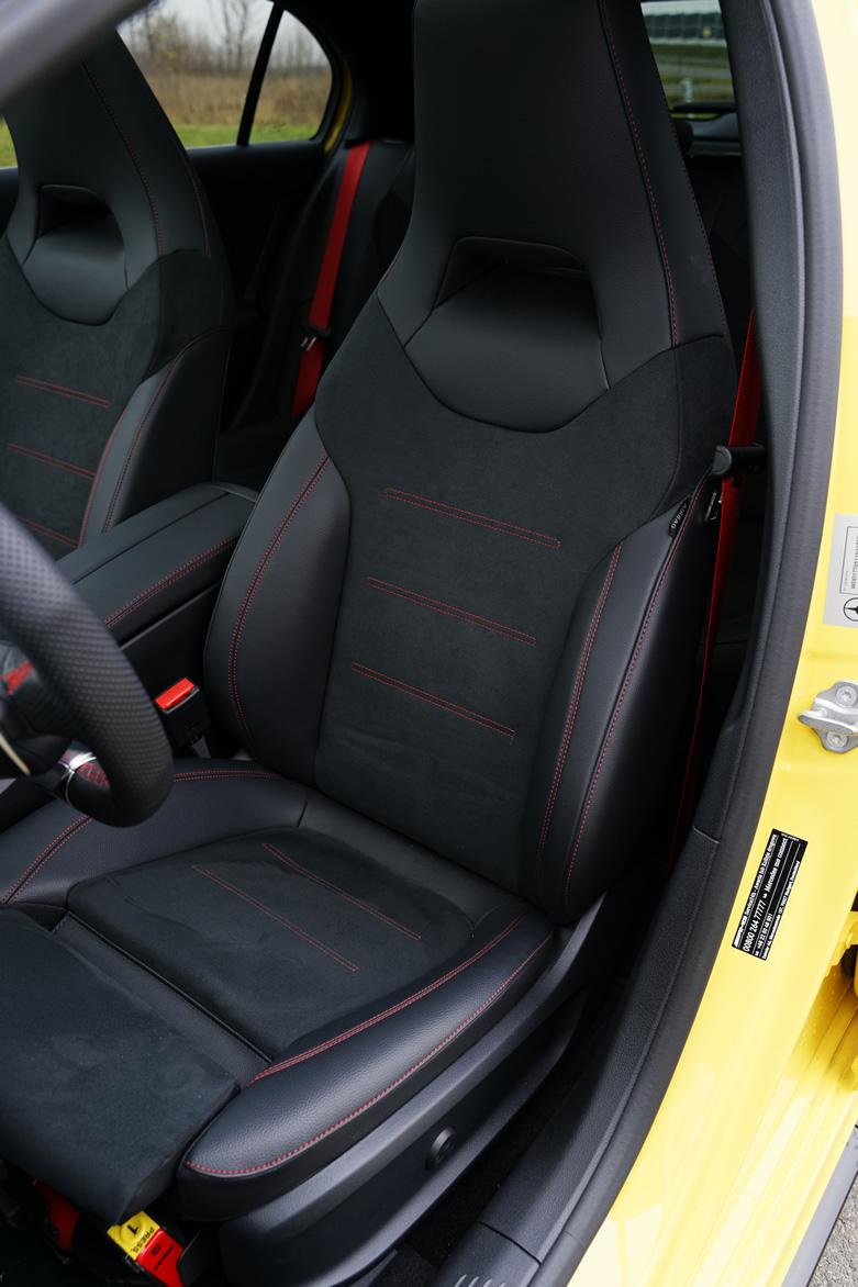 Mercedes-AMG A35 4Matic - fotel kierowcy